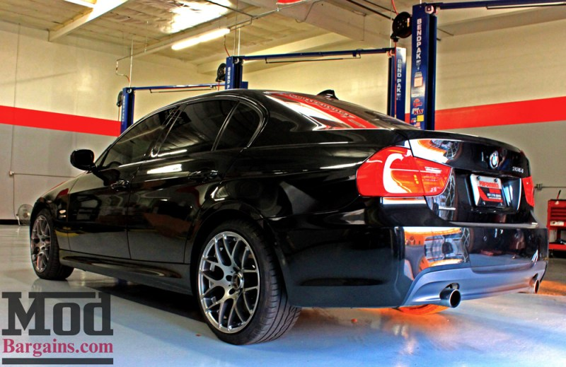 BMW_E90_335xi_perf_edition_Josh_M_Injen_VMRV710_18x85et35_18x95et33_GM_red_calipers_elliott_img016