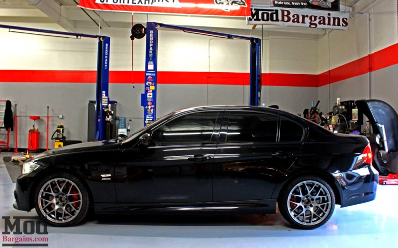 BMW_E90_335xi_perf_edition_Josh_M_Injen_VMRV710_18x85et35_18x95et33_GM_red_calipers_elliott_img021