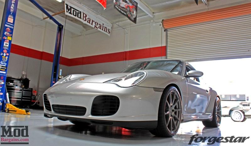 porsche-996-carrera-4s-on-gm-forgestar-cf10-img010