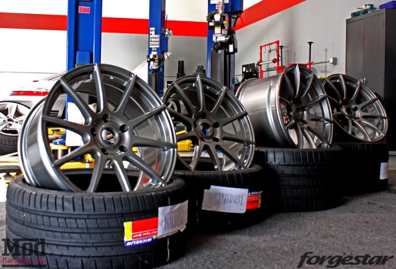 porsche-996-carrera-4s-on-gm-forgestar-cf10-img017