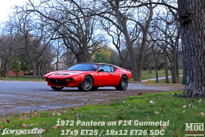 forgestar-f14-17x9et25-18x12et26-sdc-gunmetal-on-1972-detomaso-pantera-red-img001