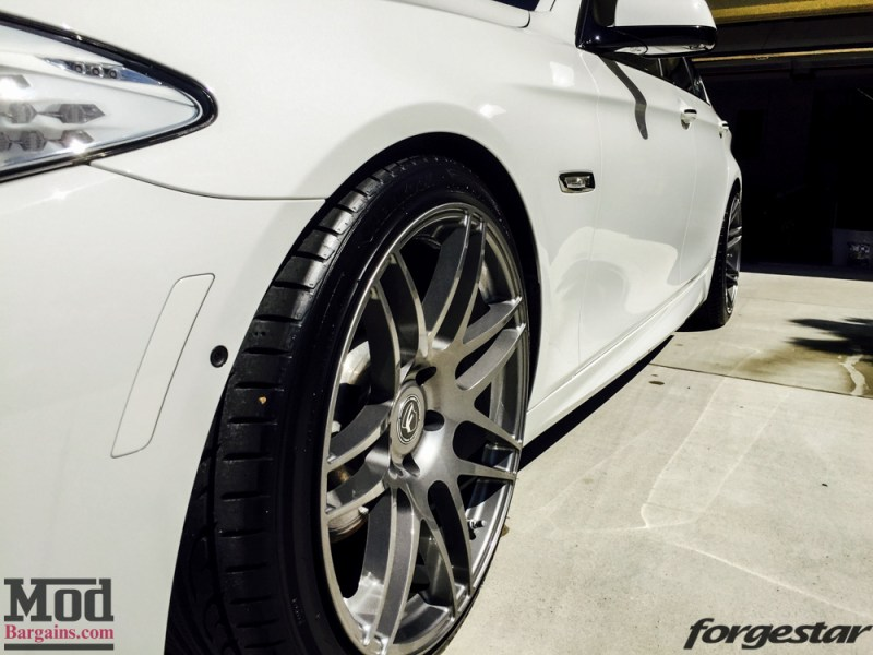 BMW_F10_550i_WHITE_F14_20x9dc_20x105SDC_GM-15