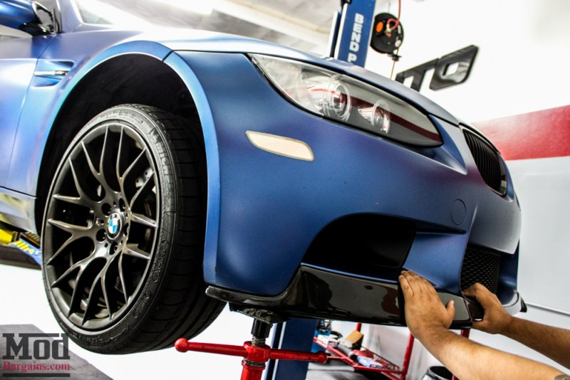BMW_E92_Frozen_Blue_M3_Remus_US_RACE_CF_Lip_CSL_details-10