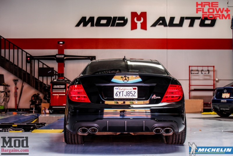 Mercedes_W204_C63_AMG_Coupe_HRE_FF15_19x85te47_19x95et45_-Michelin-PSS- (29)