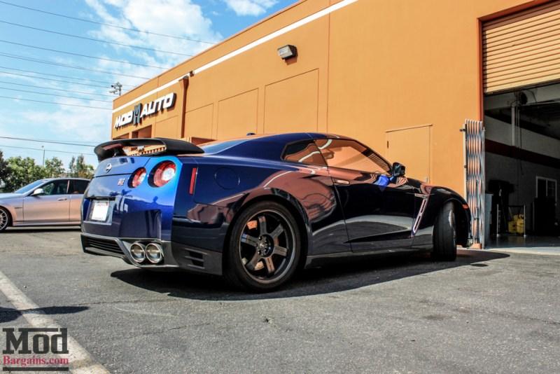 Nissan_R35_GT-R_Blue_Borla_Midsection_-1