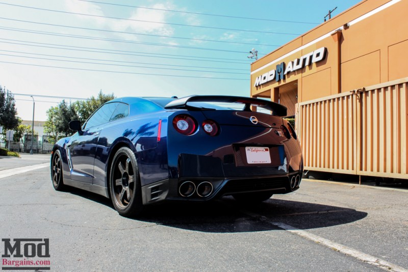 Nissan_R35_GT-R_Blue_Borla_Midsection_-11