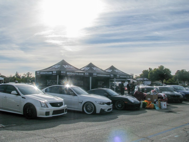 Winter_Drive_2015_Dec5_ModBargains_booth-15