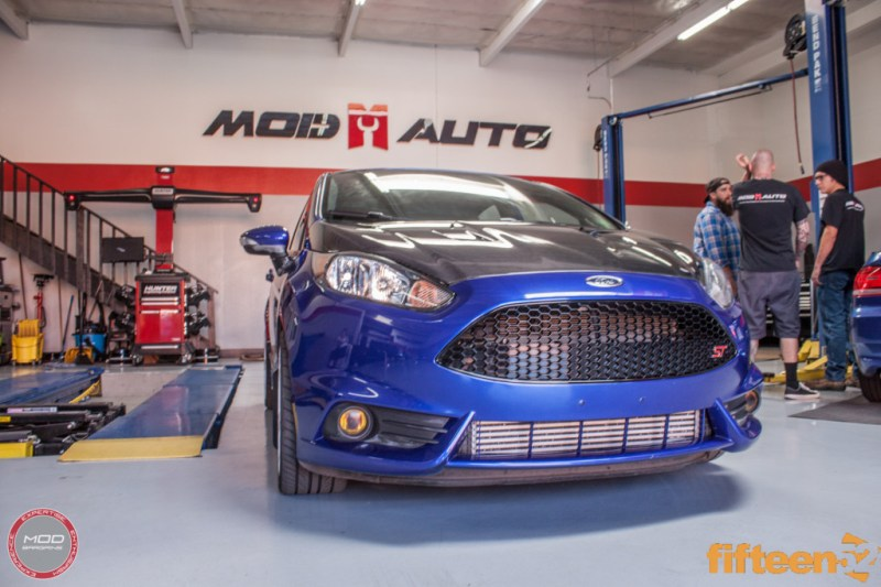 Ford_Fiesta_ST_Fifteen52_Turbomac_Seibon_CF_Hood_Luis_Lara (35)