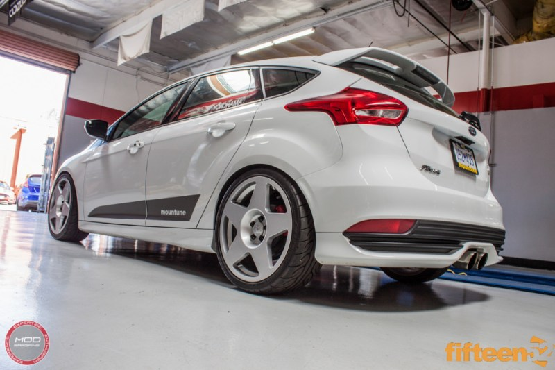 Ford_Focus_ST_2016_Mountune_MP275_Fifteen52_Tarmac_Silver (14)