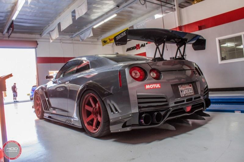Nissan_R35_GT-R_Motul_widebody_JPL_Shirt_Guy (16)