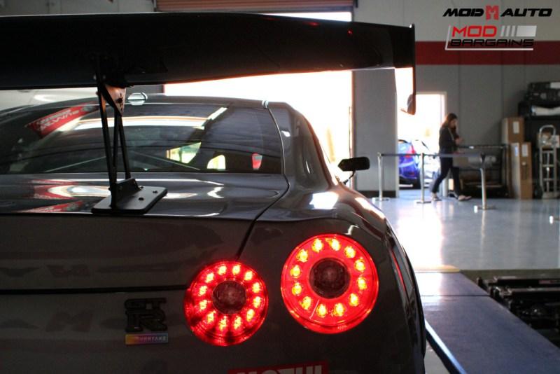 Nissan_R35_GT-R_Motul_widebody_JPL_Shirt_Guy (5)