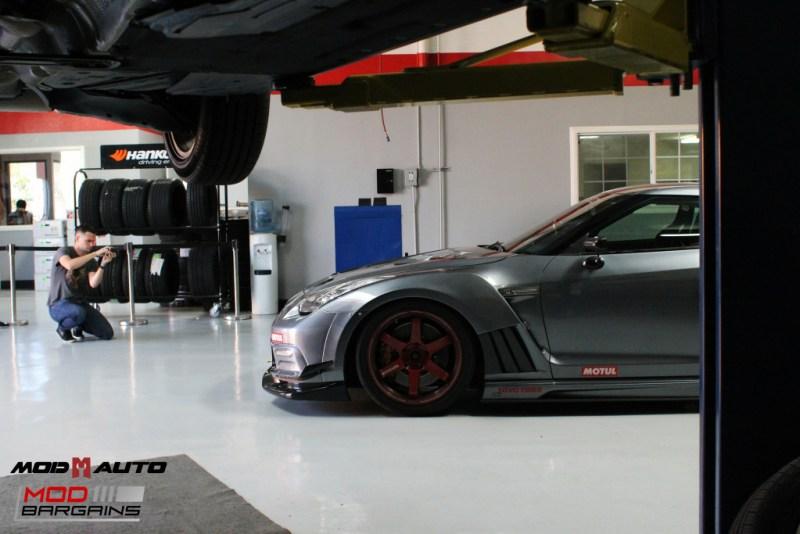 Nissan_R35_GT-R_Motul_widebody_JPL_Shirt_Guy (9)