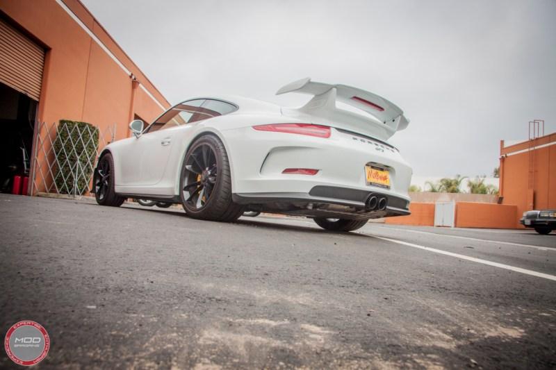 Porsche_911_GT3_991_Sharkwerkz_exh-4