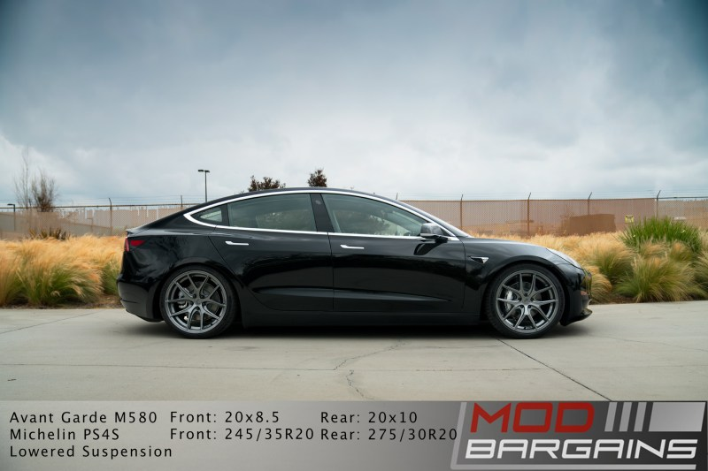 Tesla Model 3 Avant Garde M580 Kingsport Gray, side