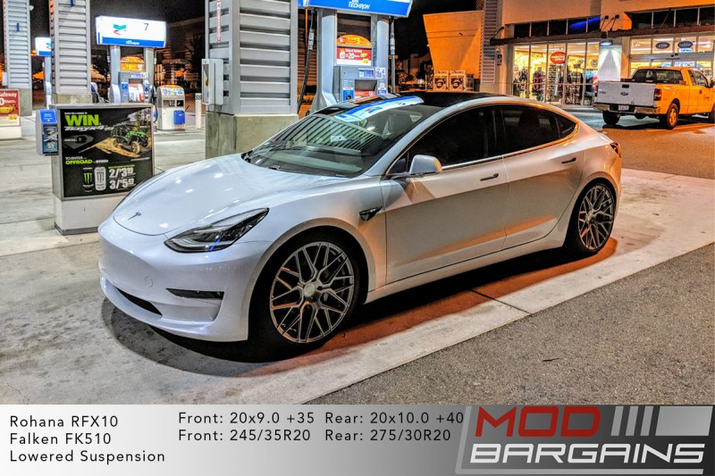 White Tesla Model 3 on Rohana RFX10 - 20x9.0 +35 front and 20x10.0 +40 rear
