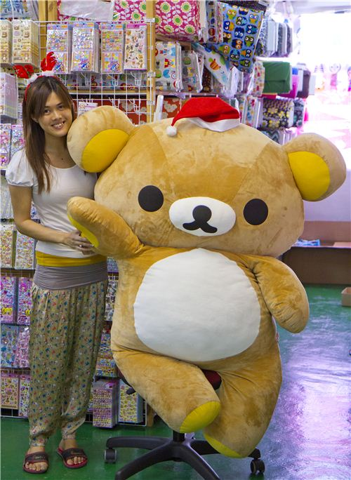 Rilakkuma and Maggie share some ideas for advent calendar fillings