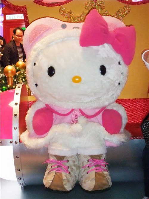 Hello Kitty dressed with pink winter clothes