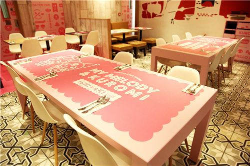 funny My Melody & Kuromi designs on the tables, photo by Langham Place