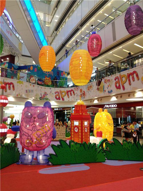 The lovely apm x Panda-a-Panda lantern exhibition in Hong Kong