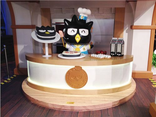 Bad Badtz-Maru is now a famous chef and shows how to bake his cake