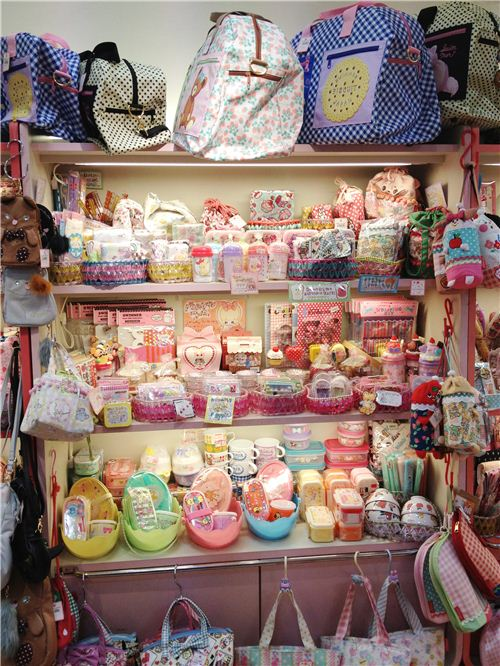 Lots of bags and bento accessories in one shelf