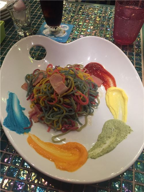 Even the food is super colorful!