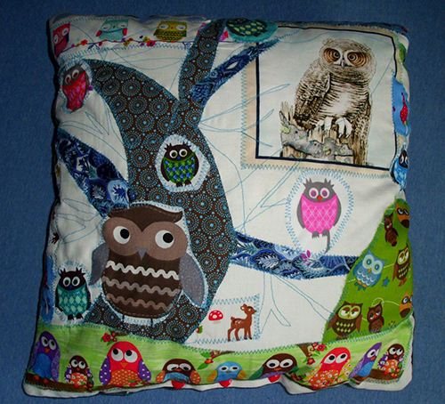 One of the lovely owl pillows for a German children's hospital that will brighten the day.