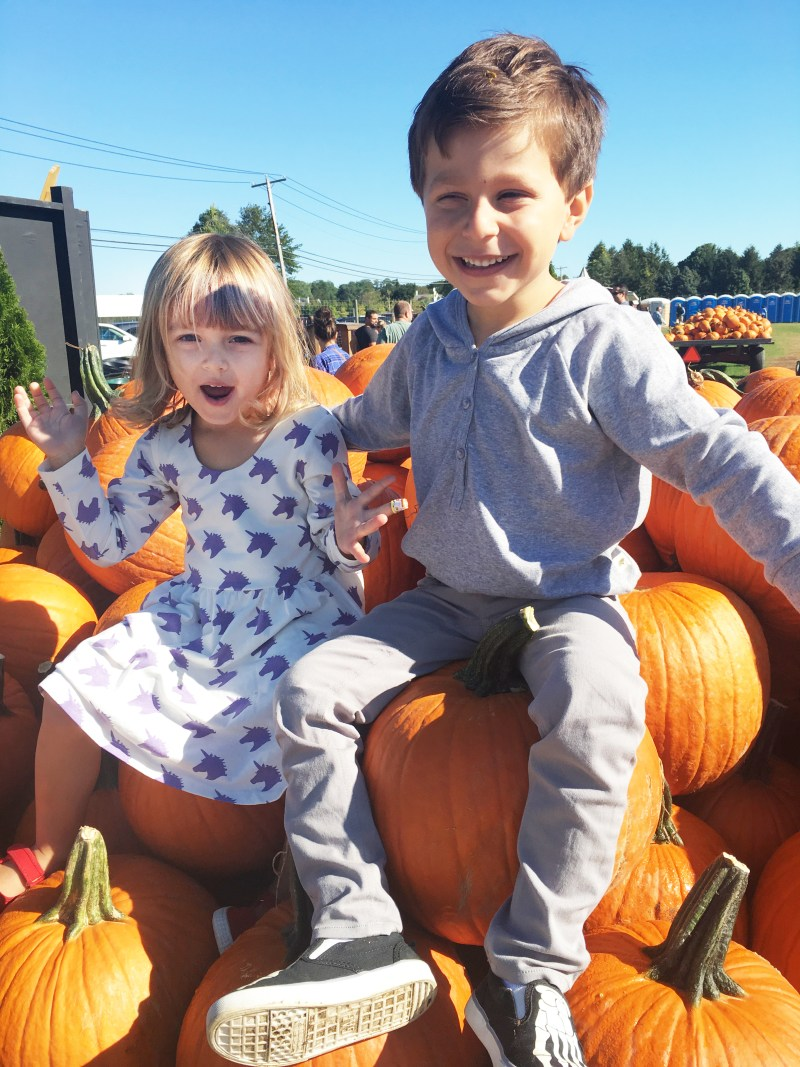 kids and pumpkin
