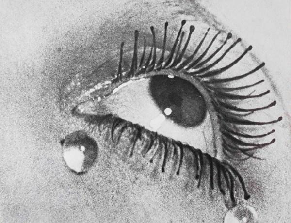Fotografia dalla mostra di Man Ray