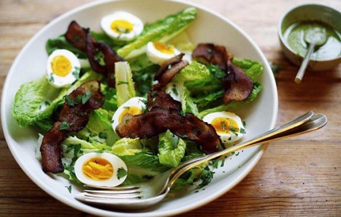 como-servir-salada-saladeiras