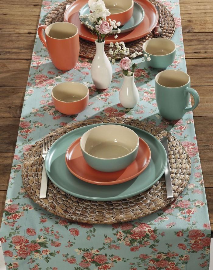 mesa de café da manhã louças
