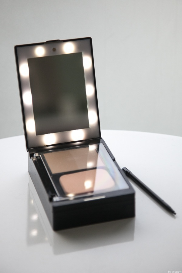 Glampact All In One Lighted Makeup Compact The Moonberry