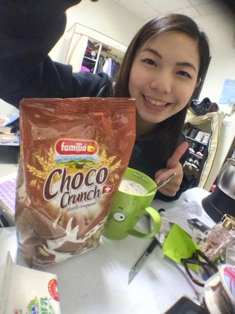 瑞士全家巧克力綜合穀物麥片開箱