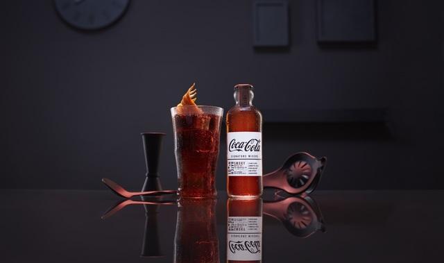 煙燻調可樂調酒,推薦跟威士忌一起飲用