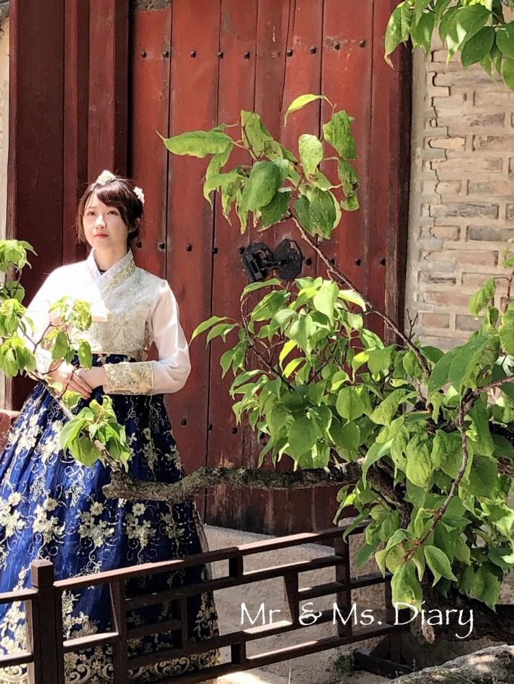 四天三夜首爾行程規劃,穿著美麗韓服逛昌德宮後苑,到新村吃超有名站著吃烤肉! 21