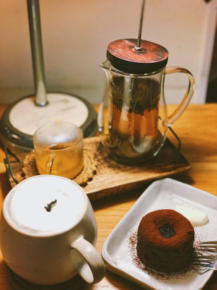 台南下午茶二子咖啡,東區裡的安靜天堂,成大讀書打報告的好去處 1