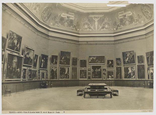 Museo del Prado, Sala de la reina Isabel II, c. 1899. Fotografia: Jean Laurent y Cie.
