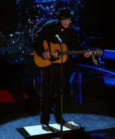 canada-stompin-tom-live-530