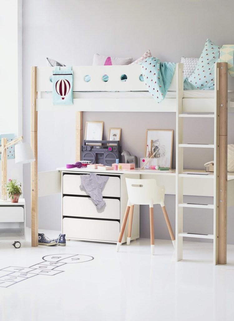 Hochbett von Flexa mit Schreibtisch und Stauraum unter der Liegefläche