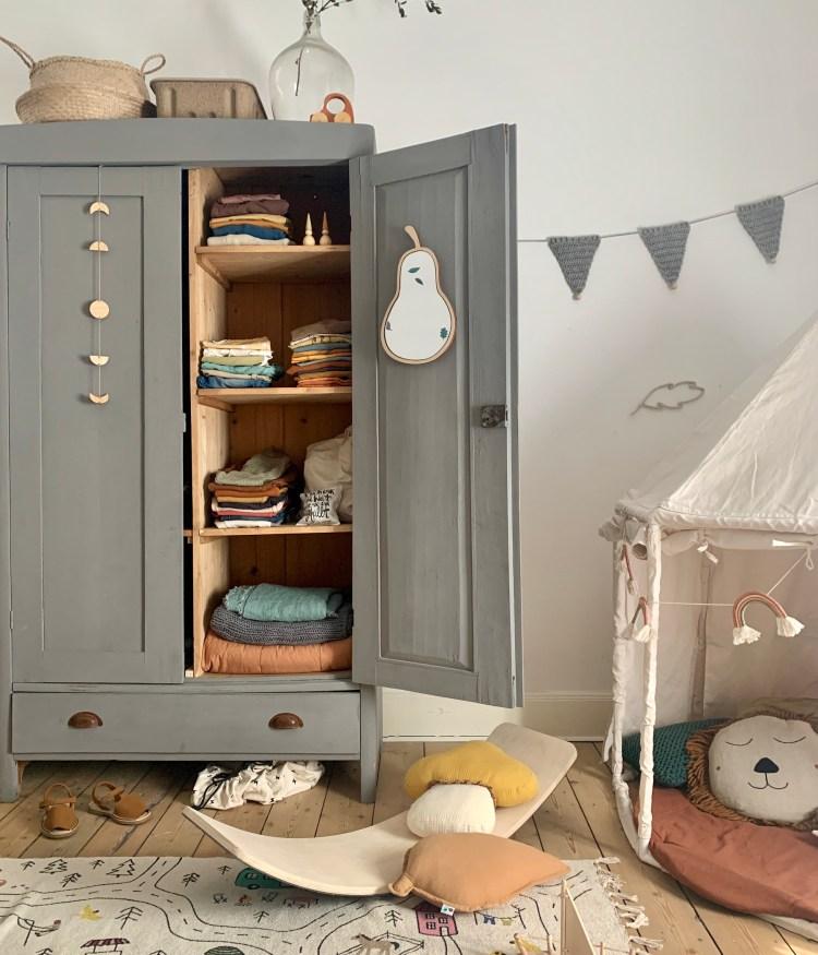 Fantasyroom Blog: Die schönsten Instagram Kinderzimmer - Vintage Kleiderschrank