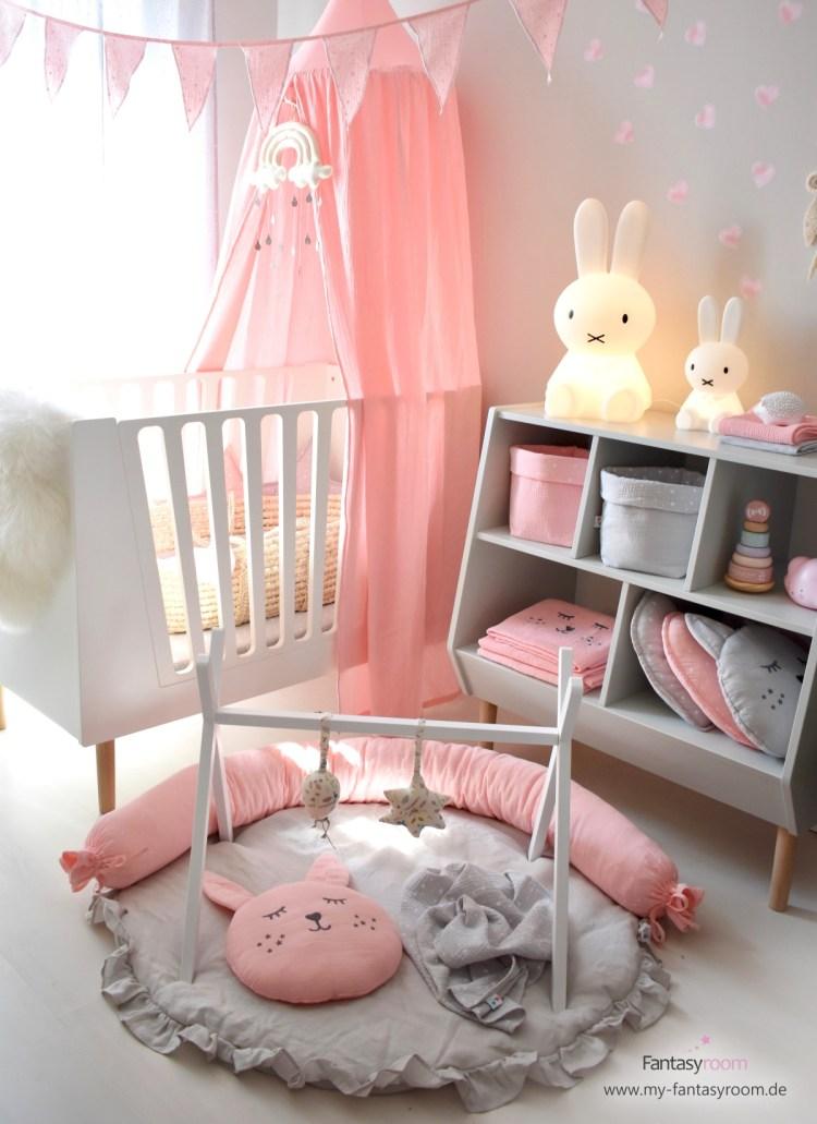 Babyzimmer mit Dinki Balloon Textilien in Rosa & Grau