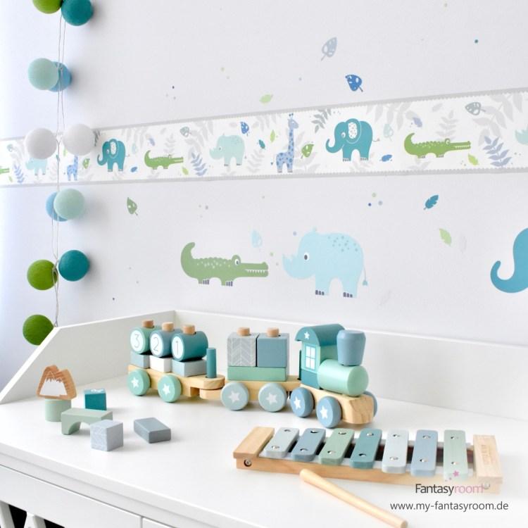 Selbstklebende Kinderzimmer Bordüre für Jungen mit Safaritieren in Blau, Mint & Grün