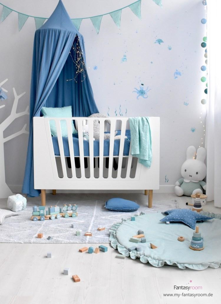 Modernes Babyzimmer von Dinki Balloon in Blau und Mint