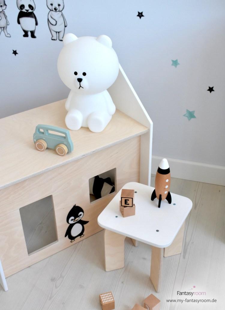 Puppenhaus Sitzgruppe mit Tisch und Hocker mit Bärenlampe von Mr. Maria