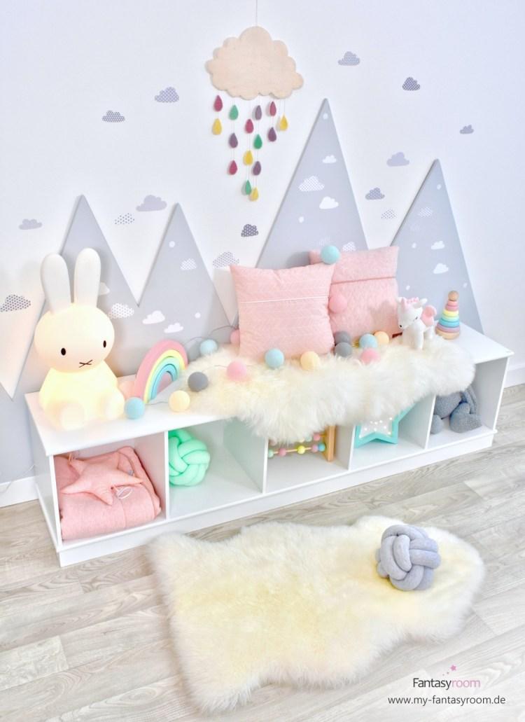 Mädchenzimmer in Pastellfarben mit Miffy Lampe