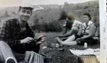 Photo prise en 1957 au Ruisseau à l'Eau Chaude, St-Léon de Standon