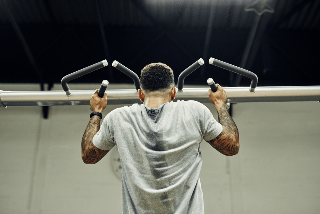 Ode-to-Sweaty-Guy-At-Gym