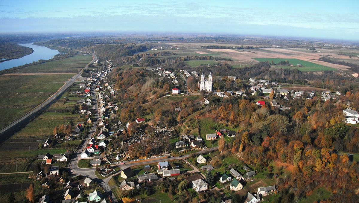 The town of Seredžius in Lithuania, the town where Gili's paternal grandfather, Louis Mazinter, was born