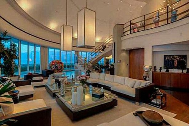 Pharrell-Williams-lists-his-Miami-penthouse