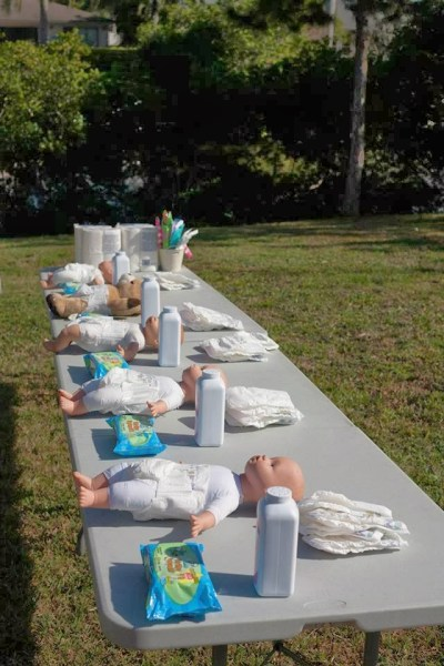 Le matériel nécessaire pour le jeu de relais de la babyshower